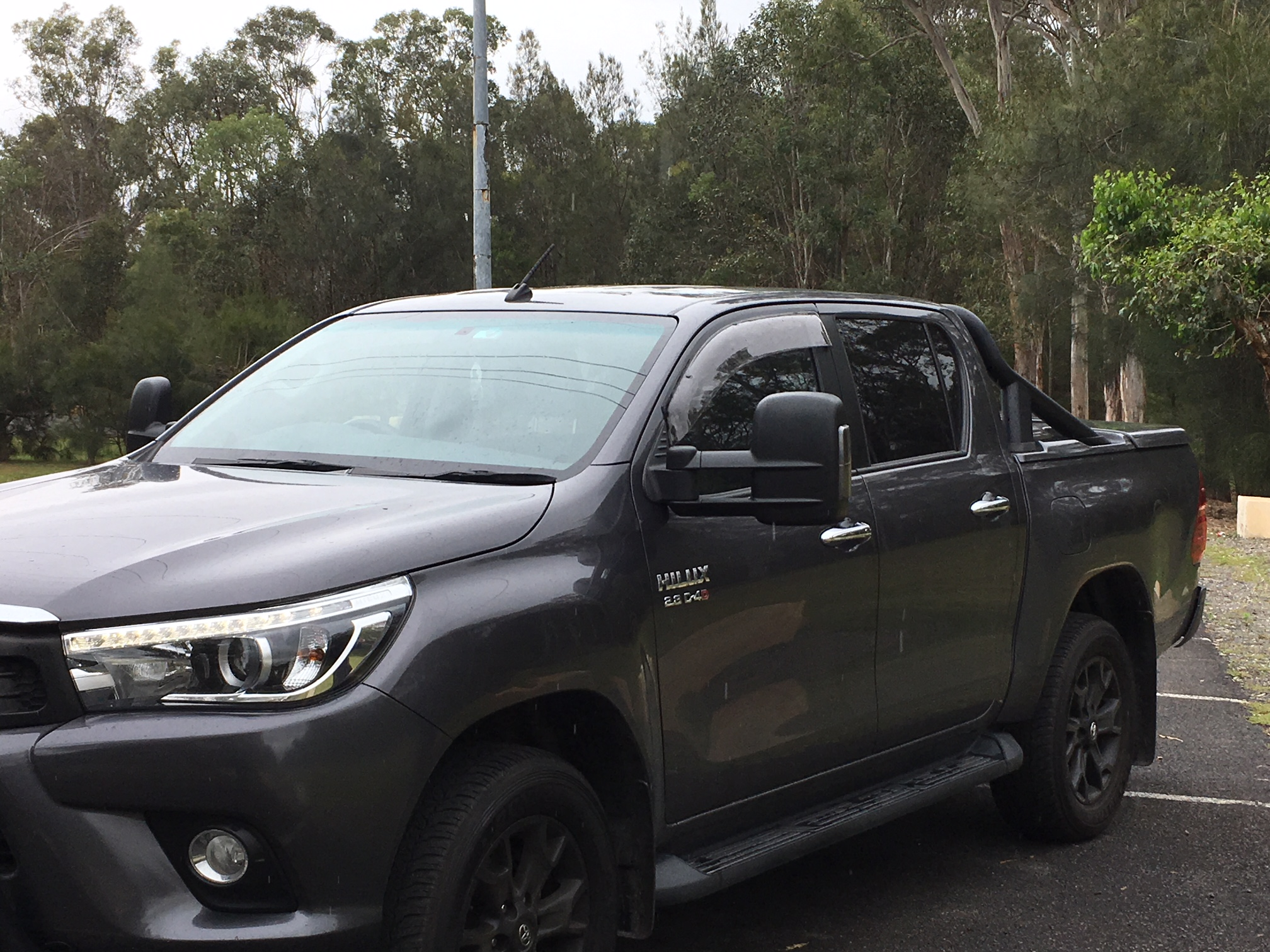 TOYOTA HILUX EXTENDABLE TOWING MIRRORS